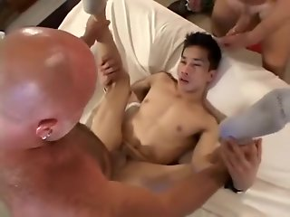 daddiies bang asian twink